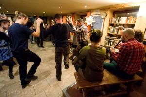 Folkkocsma a Csángó Kettőssel @ Borozó, Európa udvar | Komárno | Slovensko